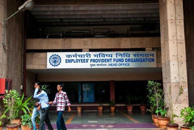 EPFO lowers interest rate on provident fund