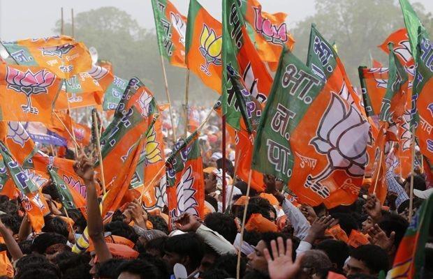 BJP Attacks Rahul Gandhi, Calls Him 'Babar Bhakt' & 'Kin of Khilji'