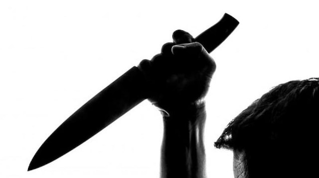 Two attacked by complainant with knife inside Mumbai court