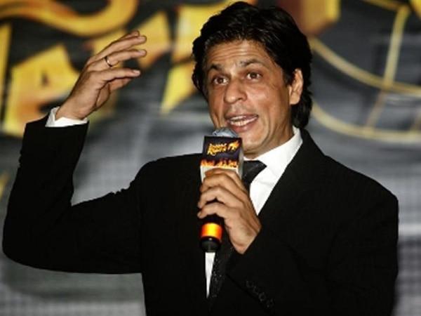 I still love winning awards, says SRK
