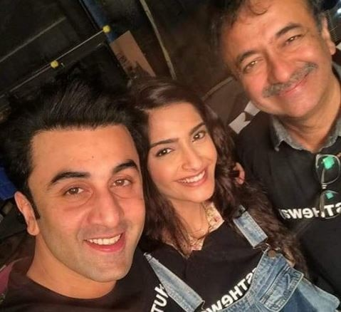 WHOA ! Bollywood actor Ranbir Kapoor and Sonam Kapoor's selfie is creating a buzz