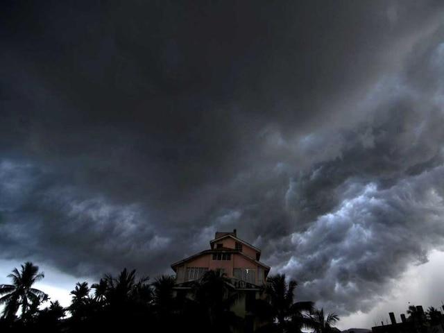 Weather Alert: Dust storm, thundershower to hit Delhi NCR in next 2-4 hours