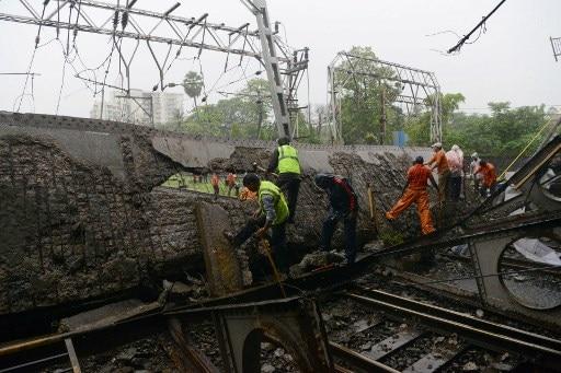 Mumbai: Roadover bridge collapses on railway tracks near Andheri Station latest update