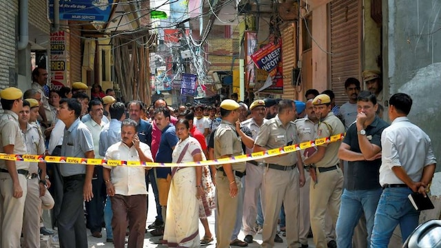 Burari case Cops receive post-mortem report of Narayani Devi, all 11 deaths due to hanging