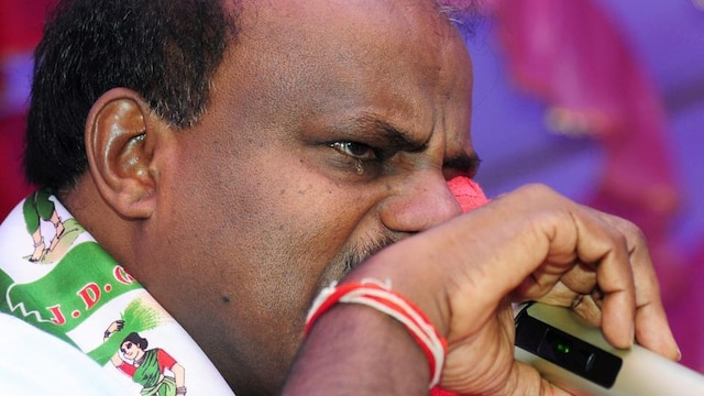 Karnataka: CM Kumaraswamy breaks down in tears; says 'not happy being CM'