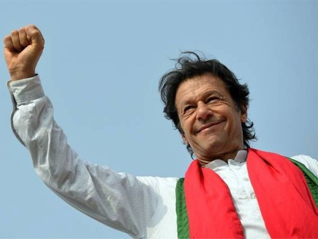 Pakistan: Imran Khan striving to garner numbers to form government