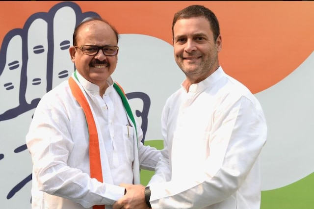 Tariq Anwar joins Congress after quitting NCP over Sharad Pawar's 'defence' for PM Modi on Rafale deal