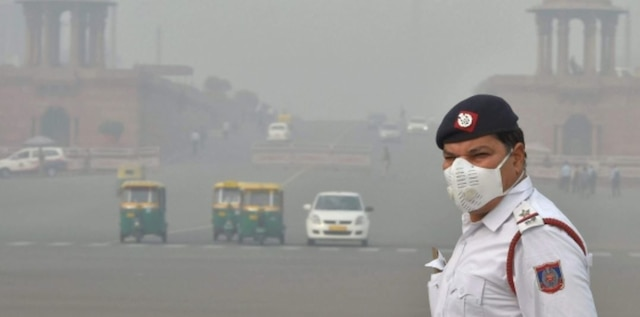 Delhi struggles with severe pollution ahead of Diwali, air quality continues to be at 'hazardous' level