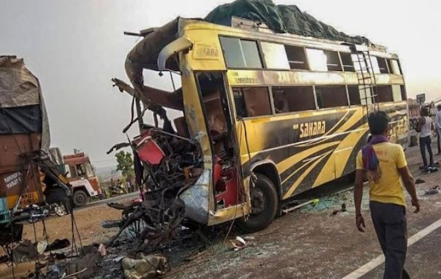 UP: 45 injured as tourist bus meets accident on Agra-Lucknow expressway