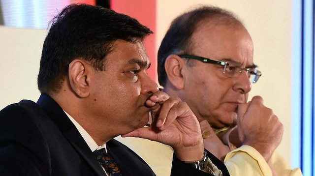 RBI board meeting today; decision on 'ongoing rift' with govt likely