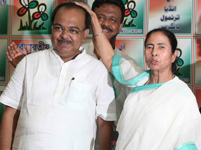 TMC leader Sovan Chatterjee resigns from Kolkata Mayor post, Firhad Hakim likely to be next Mayor