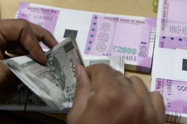 Rupee vs Dollar: Indian currency slips 54 paise, back to 71 per USD after six sessions