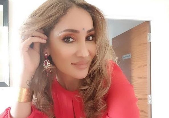 After an UGLY SEPARATION, Sofia Hayat is DATING a SINGER