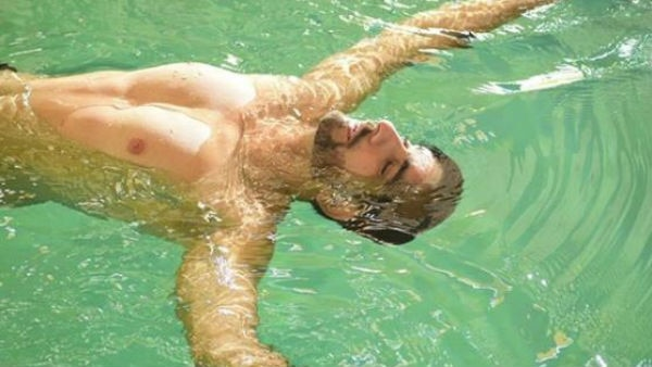 TV heartthrob Siddhant Karnick performs under water scene for the new show!