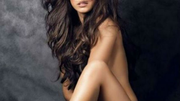 Disha Patani gives a befitting reply to trolls for s**t-shaming!