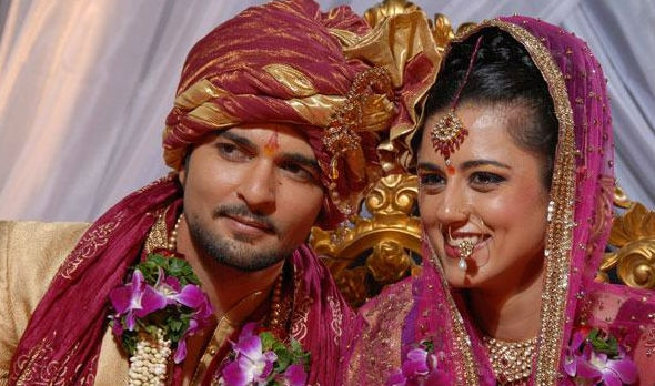 TV couple Raqesh Bapat & Ridhi Dogra celebrate 7th WEDDING ANNIVERSARY! Share heartwarming post for each other!