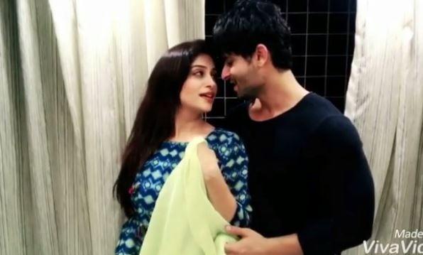 TV couple Shoaib-Dipika recreate Ishaan-Janhvi's 'DHADAK' moment
