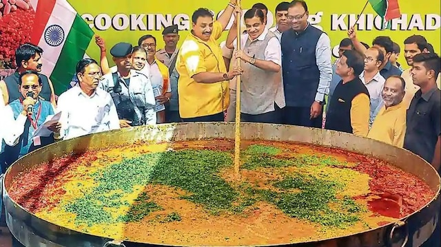 Eye on Dalit votes, BJP to cook 3,000 kg khichdi at Amit Shah's Delhi rally