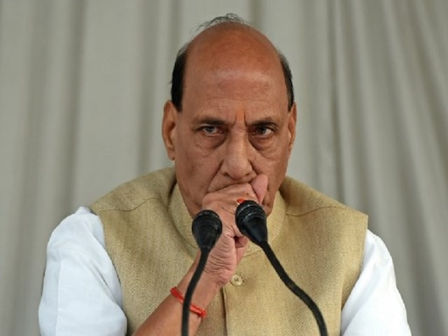 West Bengal: Rajnath calls up Mamata over violence in Shah's rally, asks to ensure action