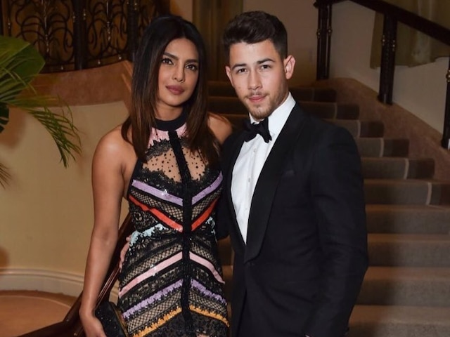 PIC: Priyanka Chopra & Nick Jonas Cuddle Up After Concert