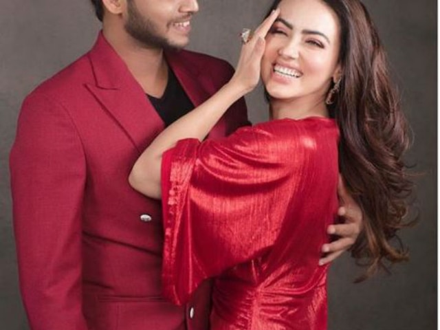 Valentine's Day: Bigg Boss contestant Sana Khan DATING Gauahar Khan's EX Melvin Louis