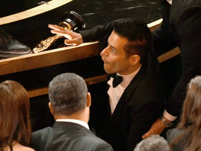 Oscars 2019: PICS! 'Bohemian Rhapsody' actor Rami Malek falls off the stage post win; Treated by Medics!