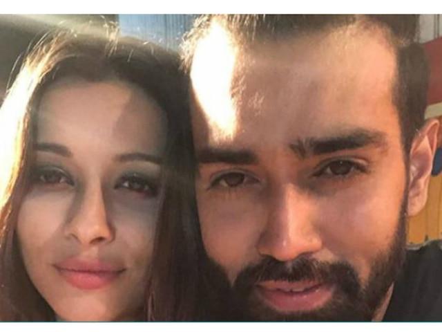 'Ishqbaaaz' fame Karan Khanna dating his 'Divya Drishti' co-star Nyra Banerjee?