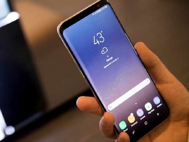 Best smartphones under Rs 20,000: Check out these trending devices by Samsung, Redme and Realme