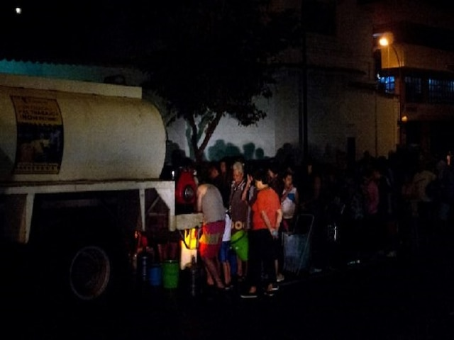 Venezuela's blackout enters fifth day; government announces measure to deal with power outage