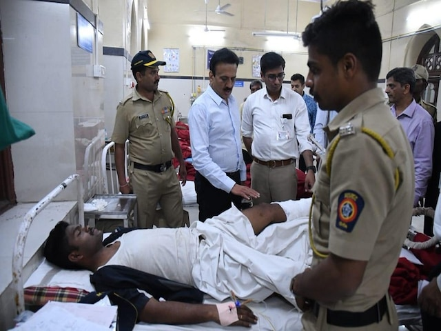 6 dead, 36 injured as foot overbridge collapses in Mumbai