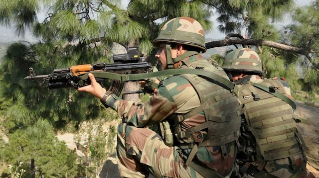 J&K: Pakistan violates ceasefire along LoC in Rajouri; 1 soldier martyred, 3 injured