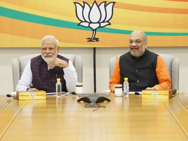 iPhone vs Android: Amit Shah prefers iPhone XS to connect with team