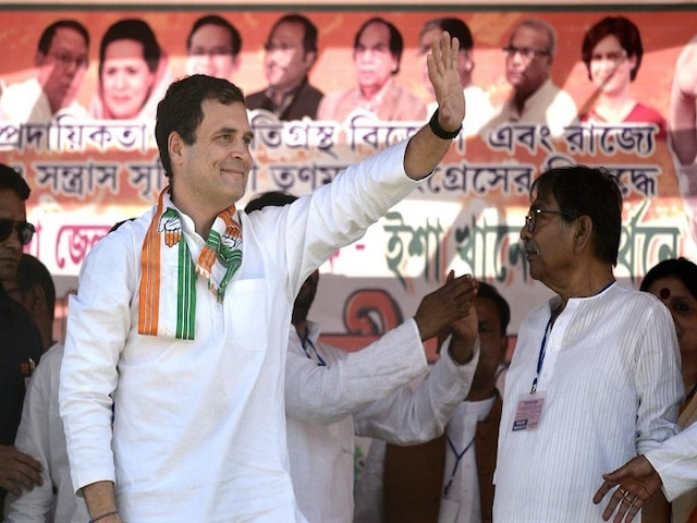 BJP MP Meenakshi Lekhi files contempt plea in SC against Rahul Gandhis Chowkidar Chor hai remark