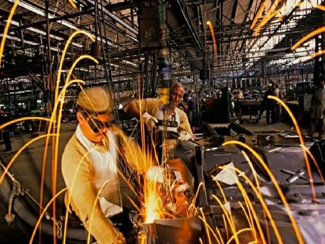 India's industrial output growth drops to 20-month low of 0.1 pc in February, Retail inflation at 2.86 pc in March