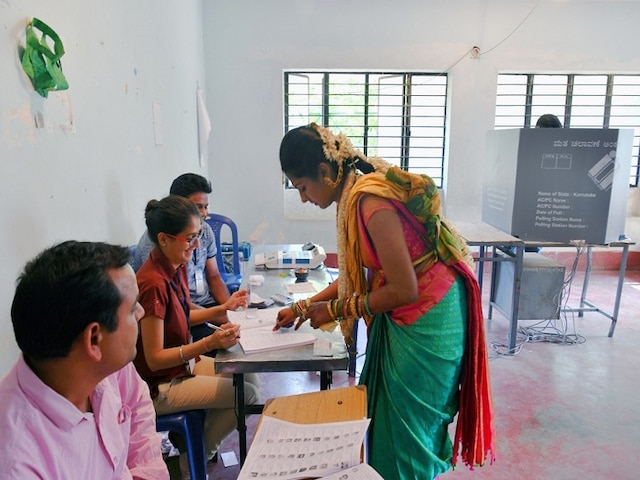 Lok Sabha elections Maoist violence, EVM glitches mar second phase 66 pc turnout recorded