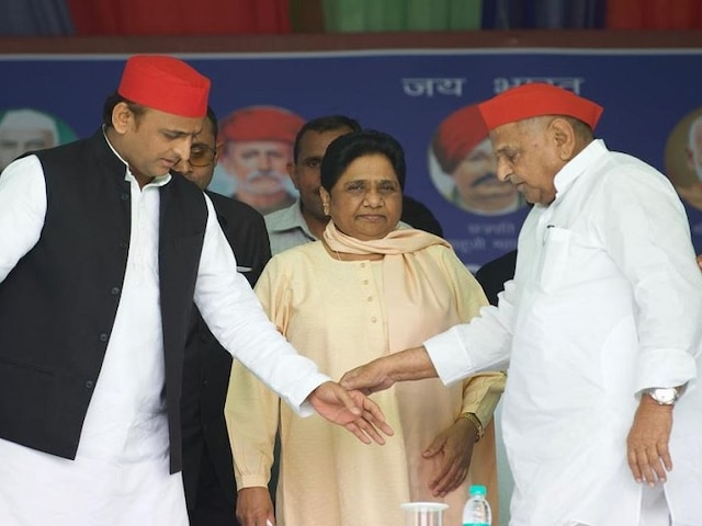 Lok Sabha elections With Mulayam on stage, Mayawati mentions 'guest house' incident during Mainpuri rally