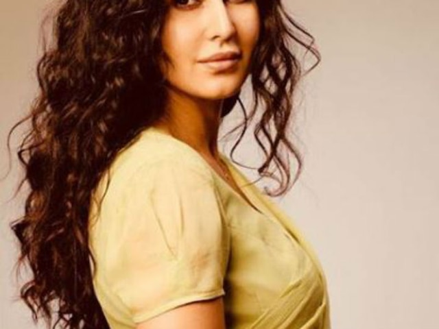 Salman Khan Bharat new poster Katrina Kaif looks stunning in desi avatar