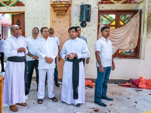 Sri Lanka blasts, President Sirisena asks defence secretary, police chief to resign over 'intelligence lapses'