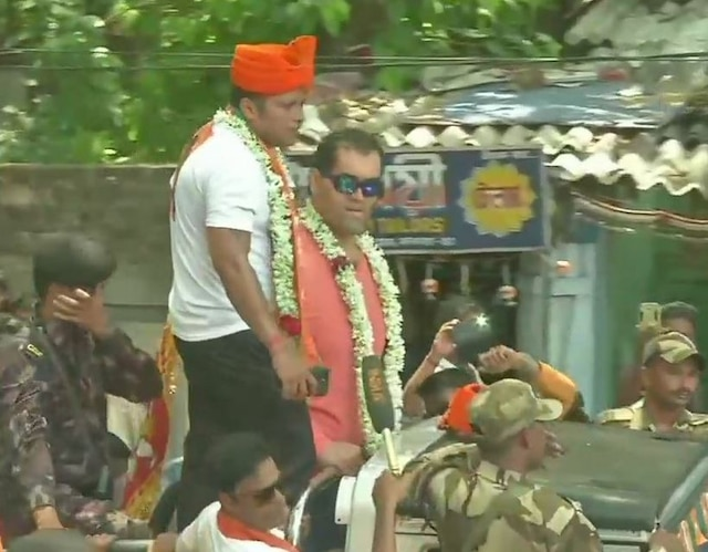 Lok Sabha elections Wrestler Great Khali campaigns for BJP's Jadavpur candidate Anupam Hazra