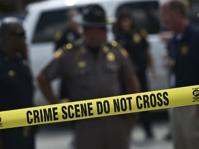 US shooting - Gunman opens fire at synagogue in California, One dead, three injured