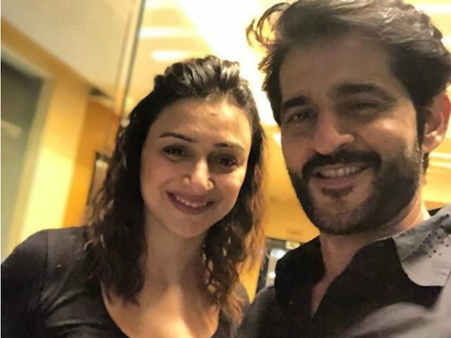 Hiten Tejwani wishes wife Gauri Pradhan on 15th wedding anniversary with an adorable message & picture!