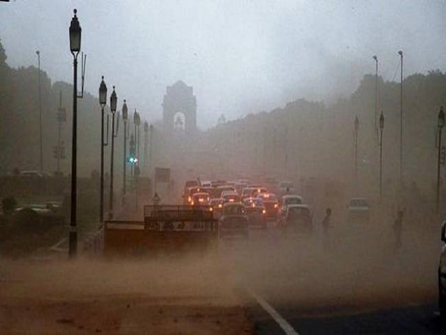Dust storm coupled with light rain brings mercury down in Delhi-NCR; operations halted at IGI