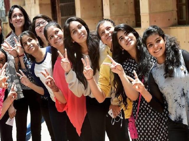 CBSE Results 2019- Delhi stands third, pass percentage up at 91.87, Mehak Talwar, Veeraj Jindal score 497,500