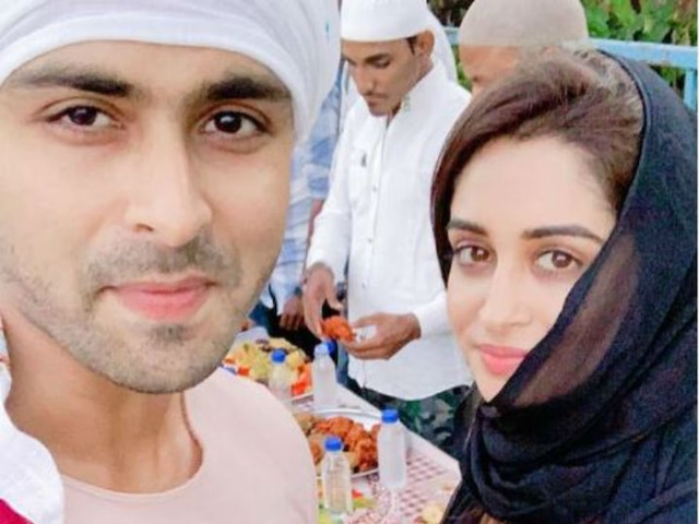 Ramadan 2019 Bigg Boss 12 winner Dipika Kakar enjoys Iftaari party with husband Shoaib Ibrahim