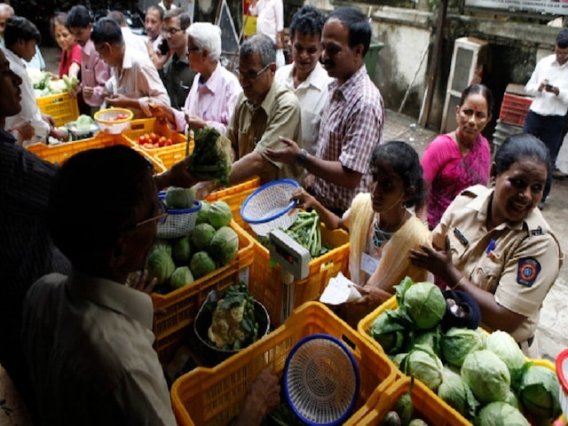 India's April retail inflation touches six-months high at 2.92% due to spike in food prices