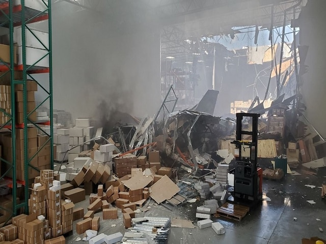 F-16 fighter jet crashes into warehouse outside California Air Reserve Base; pilot ejected