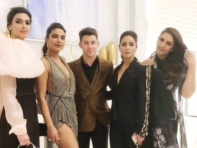 Cannes 2019- Priyanka Chopra & Nick Jonas strike a pose with Hina Khan, Huma Qureshi & Diana Penty for a PERFECT photo