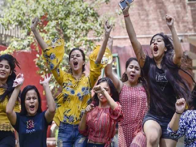 WB HS Result 2019: 86.29% PASS! West Bengal Board DECLARES class 12th result 2019 at wbchse.nic.in; How to check scores on SMS and mobile app