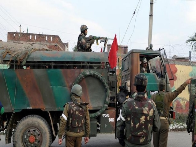 Two suspected spies arrested while taking pictures, videos outside Army camp in Jammu