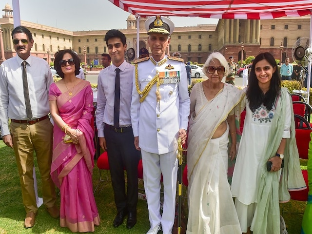 Meet Vice admiral Karambir Singh, first helicopter pilot to become Navy Chief